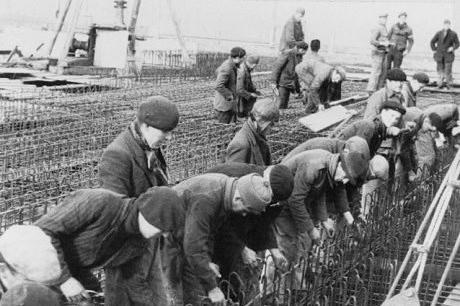 3000 réfugiés espagnols ont participé à la construction de la base